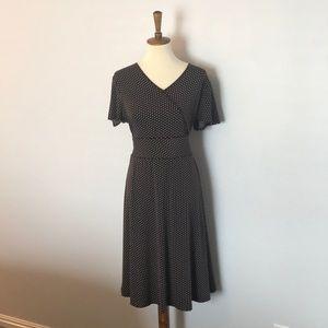 Dresses & Skirts - Adorable tie dress!
